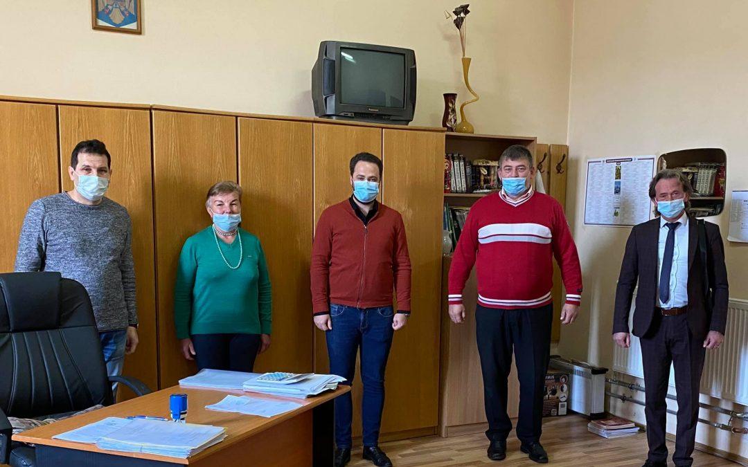 Burse oferite elevilor care studiază limba ucraineană