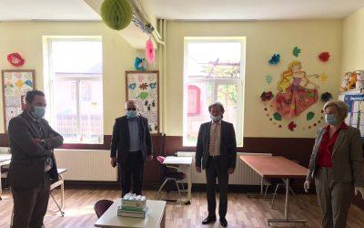 UUR a oferit materiale de protecție școlilor în care se studiază limba ucraineană