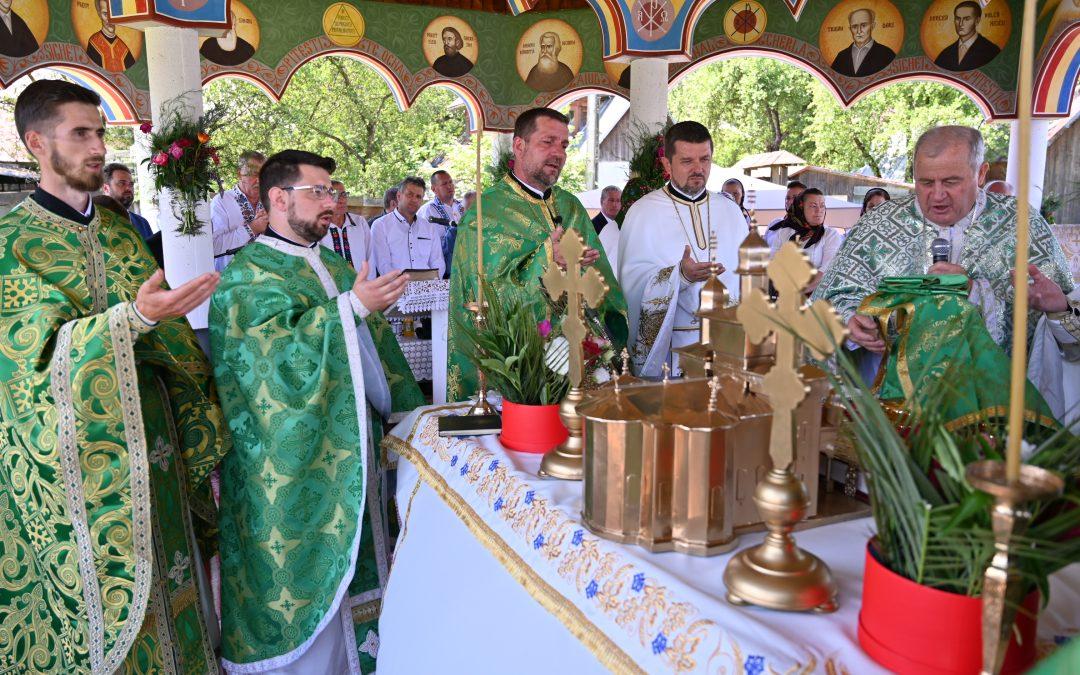 Biserica ucraineană din Poienile de sub Munte și-a sărbătorit Hramul